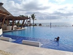 Dreams Riviera Maya - My pool with pool bar of course