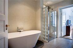 kylpyhuone, lasitiiliä suihkuseinässä - Sisustusblogi.fi