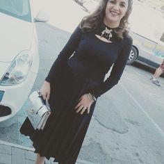 #sonianannarelli indossa #spazioliberodresses  #gonnaplisse #velvet #maglioncino #anni50 #spillagioiello #borsasilver #scusatevorreiunoutfit in #mezzora #totaloutfit  #spazioliberodreams #spazioliberobags #spazioliberojewels