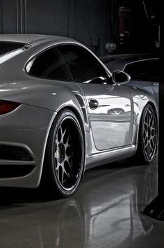 いいね♪  #geton #car #auto #porsche911  ↓他の写真を見る↓  http://geton.goo.to/photo.htm  目で見て楽しむ!感性が上がる大人の車・バイクまとめ -geton http://geton.goo.to/