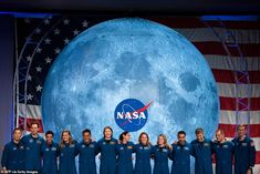 It's been more than two years in the making, but 13 astronauts have finally joined NASA under the mission that will bring the first female to the moon and some may be the first humans to step on Mars. Nasa Missions, Moon Missions, Apollo Missions, Astronauts In Space, Nasa Astronauts, Neil Armstrong, Polo Sul, Orion Spacecraft, Space Launch System