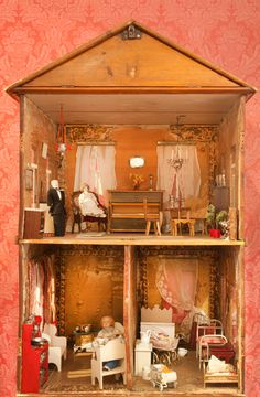 Museum of City of Helsinki has some dollhouses in it. Bird Cages, Helsinki, Dollhouses, Bird Houses, Dollhouse Miniatures, Liquor Cabinet, Architecture, City, Projects