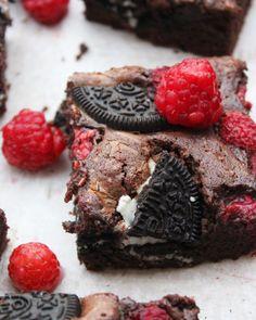 Málnás-Oreo-s brownie – Ízből tíz Lorraine, Nutella, Cookies, Food, Kochen, Biscuits, Meal, Essen, Hoods