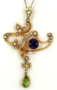 """""""Suffragette"""" pendant: peridot, pearls and amethyst, ca 1900"""