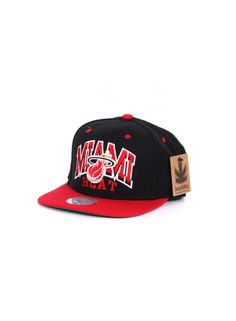 Kaotiko BCN – Gorra - MITCHELL AND NESS 2XARCH MIAMI HEAT BLK OS 9f9340c538d