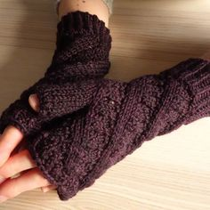 Dalgety Bay Mitts knitting pattern by Littletheorem Knits Fingerless Gloves, Arm Warmers, Knits, Knitting Patterns, Lace, Instagram, Fashion, Fingerless Mitts, Knit Patterns