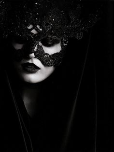 Edita Vilkeviciute wit a Philip Treacy Headpiece for Valentino. Photo by Karl Lagerfeld, Vogue Germany 2009 Dark Beauty, Gothic Beauty, Edita Vilkeviciute, Looks Halloween, Halloween Night, Lace Mask, Valentino Couture, Philip Treacy, Beautiful Mask