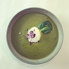 Spinach cream Spinach, Bowls, Panna Cotta, Cream, Ethnic Recipes, Food, Serving Bowls, Creme Caramel, Mixing Bowls