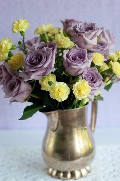 Lilac roses and yellow carnations -Blueberry Lemon Mini Cupcakes post