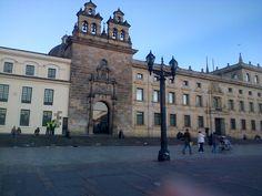 Capilla del Sagrario y Palacio Arzobispal, plaza de Bolívar-Bogotá, Colombia.
