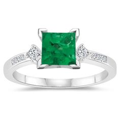 emerald engagement ring. simple. pretty.