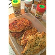 that perfectly pan-fried/baked chicken with the #flavorgod thoooo. this is pizza-seasoned, lemon & garlic, and everything spicy. i season & pan-fry on med-high for about 2 mins each side, then bake at 400 degrees for about 15-20ish minutes. my body is definitely ready for some straight protein & veggies so flavor God is tricking my mind into thinking I'm still eating pizza . @flavorgod