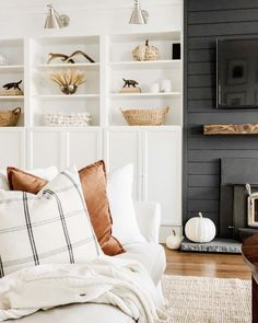 Small Cozy Living Room Decor Ideas For Your Apartment To rest your head when a Netflix binge turns into a Netflix nap or to rest your feet on when you're tired of sitting up straight, pillows are the foundation of a cozy living room. Cozy Living Rooms, Home Living Room, Living Room Designs, Living Room Decor, Living Spaces, Bedroom Decor, Barn Living, Living Room Pillows, Room Rugs