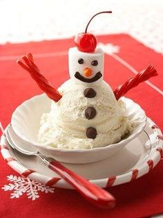 This would be such a blast for kids of all ages at a family Christmas party: Snowman Ice Cream Sundaes. #ice #cream #snowman #sundae #food #dessert #party #kids #Christmas #winter by MyLittleCornerOfTheWorld