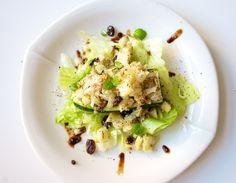 Hämmentäjä: Kvinoatäytteiset kesäkurpitsat. Quinoa-filled zucchinis.