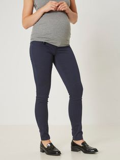 skinny jeans for girls with a baby pump
