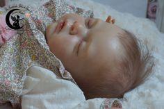 Ninon. Reborn Baby doll girl kit Yannie de Gudrun Legler.
