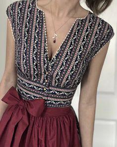 The Dress, Dress Skirt, Pretty Dresses, Beautiful Dresses, Summer Dresses For Wedding Guest, Outfit Elegantes, Kleidung Design, Elegant Outfit, Mode Inspiration