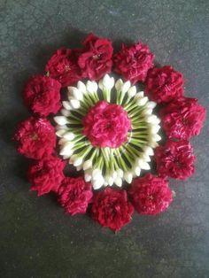Rangoli Designs Flower, Rangoli Patterns, Rangoli Border Designs, Rangoli Ideas, Rangoli Designs Diwali, Flower Rangoli, Beautiful Rangoli Designs, Flower Mandala, Flower Designs