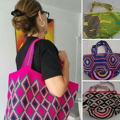 Mochilones Wayuu. Totes. Jul. 14-01.#totes #totebag #totebags #tote #top #tots #china #chic #hongkong #taylorswift #tailandia #tayland #india #indonesia #instapic #instalike #instagram #instacollage #wayuubags #bags @eline_Elena_stephania.
