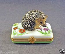 NEW HAND PAINTED AUTHENTIC FRENCH LIMOGES BOX CUTE HEDGEHOG ON FLOWERS