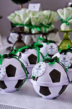 World cup soccer themed birthday party with lots of fun ideas via kara&apos Soccer Birthday Parties, Football Birthday, Sports Birthday, Soccer Party, Sports Party, Soccer Ball, Birthday Party Themes, Soccer Snacks, Birthday Diy