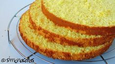 Pandispan cu lamaie reteta Fun Desserts, Vanilla Cake, Good Food, Sweet, Recipes, Cakes, Biscuit, Candy, Cake Makers