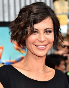Catherine Bell Short Bob. If only my hair wasn't as crazy curly as it is, I'd have this haircut.