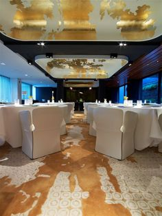 Tai Ping - Mandarin Oriental Barcelona with Patricia Urquiola Tai Ping - Hong Kong - Paris - New York - Tapis - 1956 - Décoration - Intérieur - Ambiance - Restaurant - Bar - Fauteuil - Table - Design - APR
