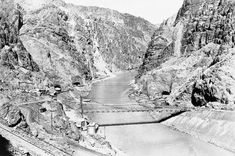 An overview of Hoover Dam construction history with photos the second highest dam in the state and the highest in the world and Las Vegas major tourist attraction. Hoover Dam Construction, Old Vegas, Lake Mead, State Of Arizona, Suspension Bridge, Colorado River, Le Moulin, Aerial View, Bouldering