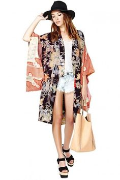 Traditional kimono can be remodeled and worn in such modern style!