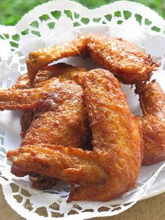Recipe of Malaysian lemongrass fried chicken. Cooking Chicken Wings, Fried Chicken Recipes, Chinese Fried Chicken Wings, Asian Chicken, Malaysian Cuisine, Malaysian Food, Malaysian Recipes, Lemon Grass Chicken, Chicken