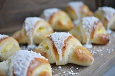 Er du glad i skoleboller? Baking Recipes, Snack Recipes, Norwegian Food, Sweet Buns, Recipes From Heaven, Dessert For Dinner, Sweet And Salty, Yummy Cakes, Fun Desserts