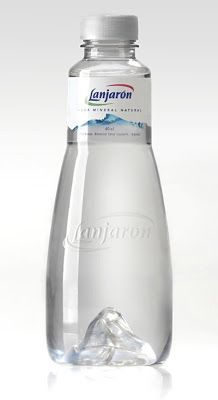 Lanjaron Mineral Water on Packaging of the World - Creative Package Design Gallery Clever Packaging, Water Packaging, Beverage Packaging, Bottle Packaging, Brand Packaging, Mineral Water Brands, Agua Mineral, Colani, Water Bottle Design