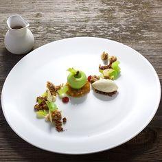 Granny smith apple, celery & walnuts. Gorgeous dessert uploaded by @pfefferschiff #gastroart
