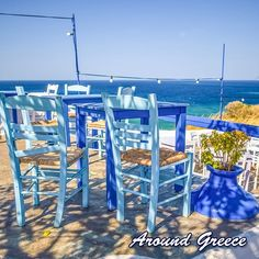 You'll always find a perfect place for a spot of lunch by the sea in Greece ... #Greece #Greekislands #Summer #holidays #vacations #aroundgreece #visitgreece