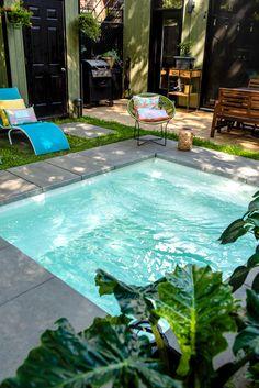 Swimming Pool Designs, Swimming Pools, Backyard Ideas, Garden Ideas, Dream Garden, Home And Garden, Design Cour, Hot Tub Patio, Courtyard Design
