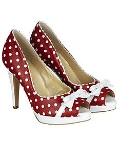 If I ever wore heels, I would pick these. #50's #shoes