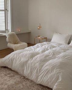 Dream Rooms, Dream Bedroom, Home Bedroom, Bedroom Decor, Bedrooms, Modern Bedroom, Deco Studio, Style Deco, Aesthetic Room Decor