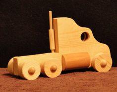 Semi camion e rimorchio 012/013 di ToysByJohn su Etsy