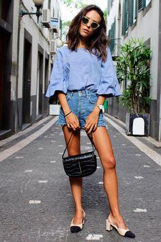3. Com a chegada do verão e das férias do final de ano, o short jeans será o seu melhor amigo na hora de criar looks fresquinhos e despojados. Must have!