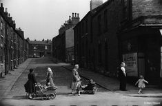 Marc Riboud, Manchester Street, Long Pictures, Funny Pictures, Leeds City, Become A Photographer, Moving To Paris, West Yorkshire, French Photographers