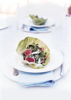 seared tuna lettuce cups with asparagus