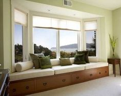 Decorating Bay Windows | baywindowcushions | 30 Bay Window Decorating Ideas ... | For the Home. I want this!