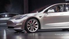 Sähköautoyhtiön mukaan Tesla Model 3 -autoa on varattu jo yli 130 000 kappaletta, vaikka sen valmistus on tarkoitus aloittaa vasta loppuvuodesta 2017. Auto on Teslan aiempia malleja huomattavasti halvempi.