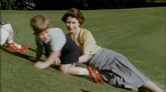"""""""Queen Elizabeth II as a young mother."""" Elizabeth at 90 Crown Tv, The Crown, Best Dramas, Isabel Ii, Young Prince, Princess Anne, Prince Charles, Queen Elizabeth Ii, Couple Photos"""