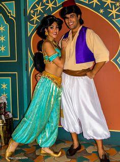 Jasmine & Aladdin @ The Magic Kingdom Aladdin Movie, Genie Aladdin, Aladdin And Jasmine, Princess Jasmine, Disney Trips, Disney Parks, Walt Disney World, Disney Face Characters, Disney Movies