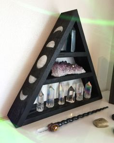 Witchy crystal shelves from www.etsy.fom/grizzlysupplies