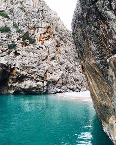 Sa Calobra, Mallorca via @jimsandkittys