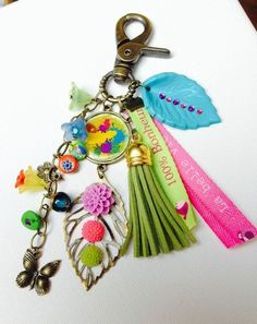 Handmade Keychains, Diy Keychain, Bead Crafts, Jewelry Crafts, Diy Tassel, Tassels, Homemade Jewelry, Key Fobs, Beaded Jewelry